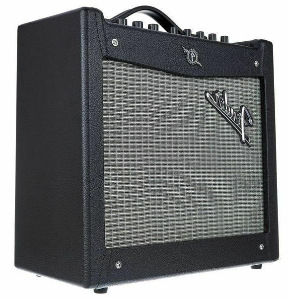 Fender I V.2 20 Watt Inch - Black